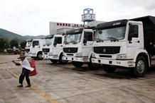 Vietnam needs to reduce trade with China