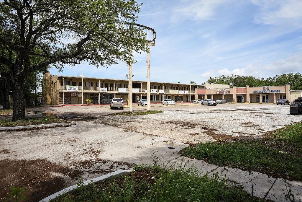Shopping strip Village de l'Est